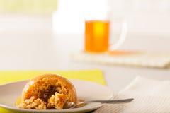 Toffee Bombe-Pudding lizenzfreie stockfotografie