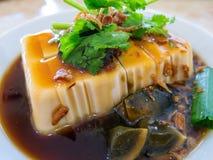 Tofu asiatique avec l'oeuf de siècle Image stock