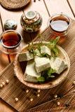 Tofu in cubi - alimento vegetariano fatto con i semi della soia Immagine Stock