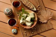 Tofu in cubi - alimento vegetariano fatto con i semi della soia Fotografia Stock Libera da Diritti