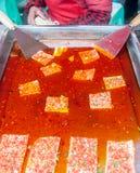 Tofu fedido do óleo vermelho imagem de stock