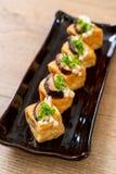 Tofu grelhado com cogumelo de Shitake e o cogumelo dourado da agulha fotografia de stock