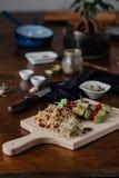 Tofu kebab na jagle z migdałami, jagieł wezwaniami i cranberries, Fotografia Stock