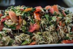 Tofu och haricot vert med morötter och selleri Fotografering för Bildbyråer