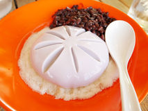 Tofupudding med röda bönor arkivfoto