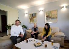 together tv watching Στοκ φωτογραφία με δικαίωμα ελεύθερης χρήσης
