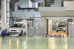 Prueba de los nuevos coches Lada Kalina en la fábrica Imagen de archivo