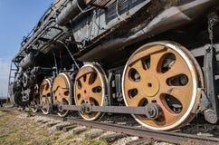 Togliatti, Rusia, rueda de una locomotora del motor de vapor Imagen de archivo libre de regalías