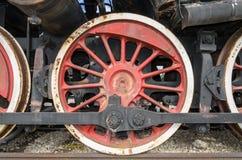 Togliatti, Rusia, rueda de una locomotora del motor de vapor Foto de archivo libre de regalías