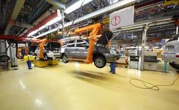 Lada Kalina enhet på fabriksVAZ royaltyfria foton