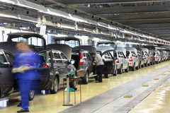 Nieuwe auto's Lada Kalina bij fabriek VAZ Stock Fotografie