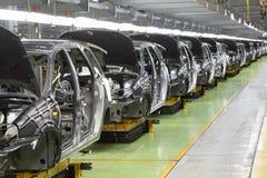 Rangée de nouveaux corps pour Lada Kalina à l'usine d'Avtovaz Images stock