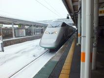 TOHOKU ЯПОНИЯ - ЯНВАРЬ 31,2014 - быстроходный поезд d Shinkansen Японии Стоковые Изображения