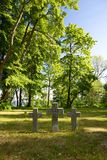 Toila, Estonia - Militarny Pamiątkowy cmentarz w parkowym Toila-Oru, Estonia, Czerwiec 10, 2018 Fotografia Royalty Free