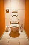 Toilet met een open deksel Stock Fotografie
