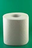 Toiletpapier op groen Royalty-vrije Stock Fotografie