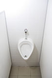 Toilette des Mannes. Urinal stockfoto