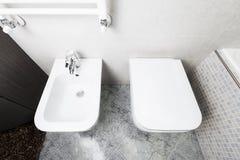 Toilette e bidê de cima de foto de stock
