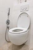 Toilette mit Bidet im Badezimmer Stockbild