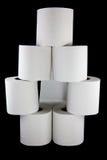 Toilettenpapier gestapelt in einer Form stockbild
