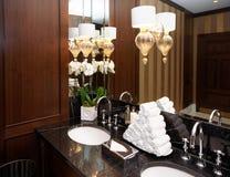 Toilettes dans l'hôtel ou le restaurant photographie stock libre de droits
