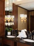 Toilettes dans l'hôtel ou le restaurant photos libres de droits