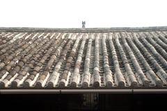 Toit antique à la maison en vieille ville de Lijiang Dayan. Images stock