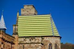 Toit coloré d'Alton Castle images libres de droits