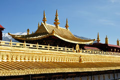Toit d'or de Jokhang Lhasa Thibet Photographie stock