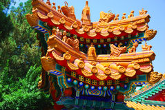 Toit d'or de temple chinois Photos stock