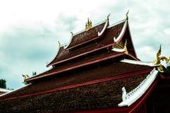 Toit dans Luang Prabang images libres de droits