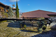 Toit de l'église dans la nativité de monastère de Rozhen de la mère de Dieu, Bulgarie Photos libres de droits