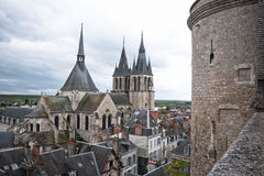 Toit de la cathédrale St Louis dans Blois Photo libre de droits