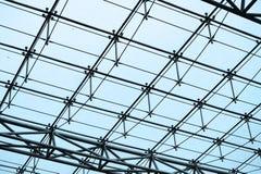 Toit de structure métallique et en verre Photos stock