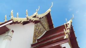 Toit de temple en Thaïlande WatPradhatchohar Image libre de droits