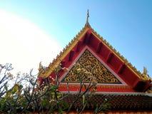 Toit de Wat Sriboonrueng Temple - la Thaïlande Photos libres de droits