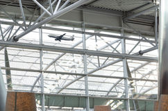 Toit et avion en verre de passager Image libre de droits