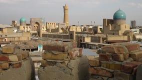 Toit et bâtiments de brique à Boukhara, l'Ouzbékistan banque de vidéos