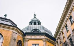 Toit intéressant d'église de ville de Gothenburg images libres de droits