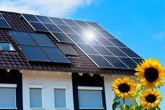 Toit solaire Photo libre de droits