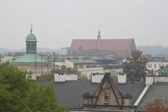 Toits à Cracovie, Pologne Photographie stock libre de droits
