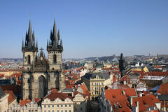 Toits de Prague en hiver Photo libre de droits