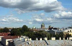 Toits de St Petersburg photo libre de droits