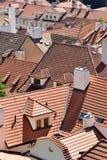 Toits de tuile de la vieille ville Prague Photo libre de droits