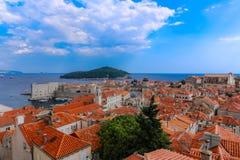 Toits de tuile rouge Dubrovnik Croatie photographie stock