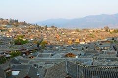 Toits de vieille ville de lijiang, yunnan, porcelaine Photos libres de droits