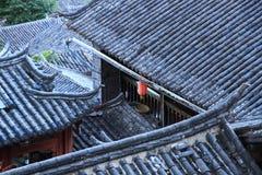Toits de vieille ville de lijiang, yunnan, porcelaine Images libres de droits