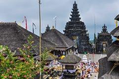 Toits en Pura Besakih Temple, Bali, Indonésie photographie stock