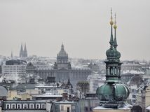 Toits historiques de constructions de vieille ville de Prague Photographie stock libre de droits
