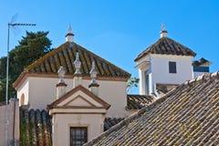 Toits résidentiels de maisons en Séville, Espagne Photos stock